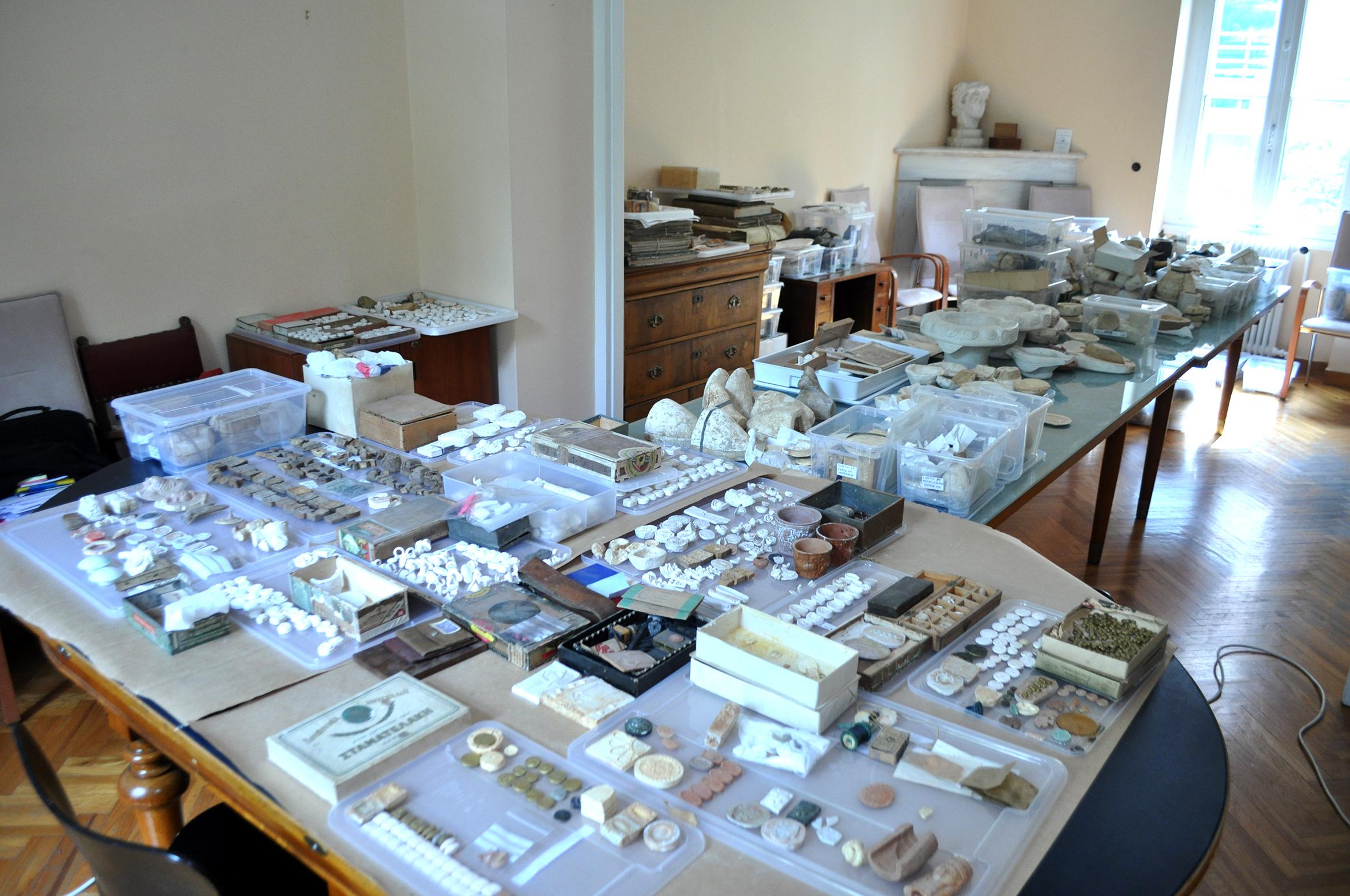 Collection Gilliéron, équipement de l'atelier de trois générations d'artistes, lors du premier classement à l'École française d'Athènes (Avril 2017)