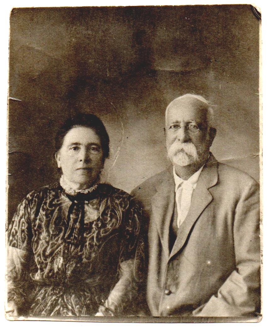Émile Gilliéron père et son épouse Joséphine Zoecchi, à Athènes (vers 1915).
